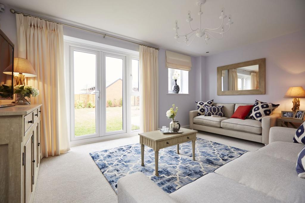 Typical Thame lounge with French doors