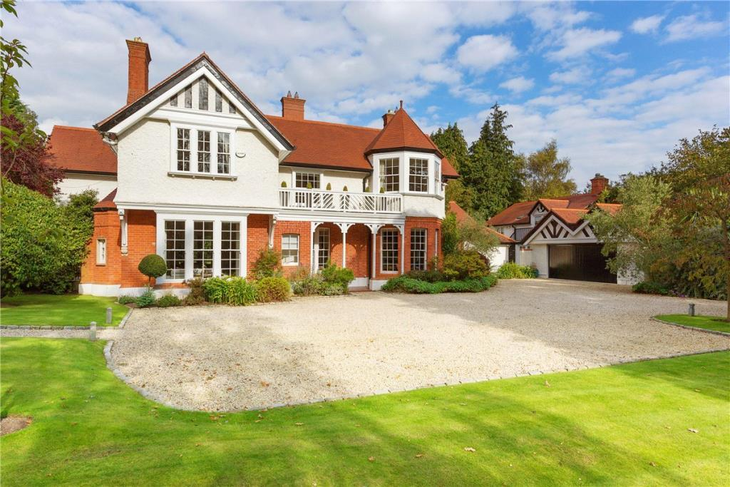 5 bed Detached house for sale in Kenure, Westminster Road...