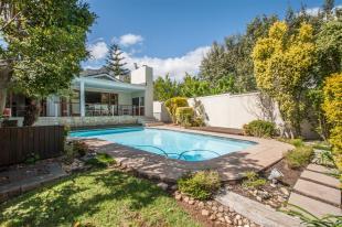 4 bedroom house in Stellenbosch...