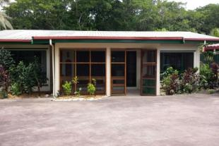 3 bed house in Suva