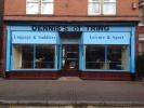 property to rent in 98 High Street, Tring, HP23 4AF