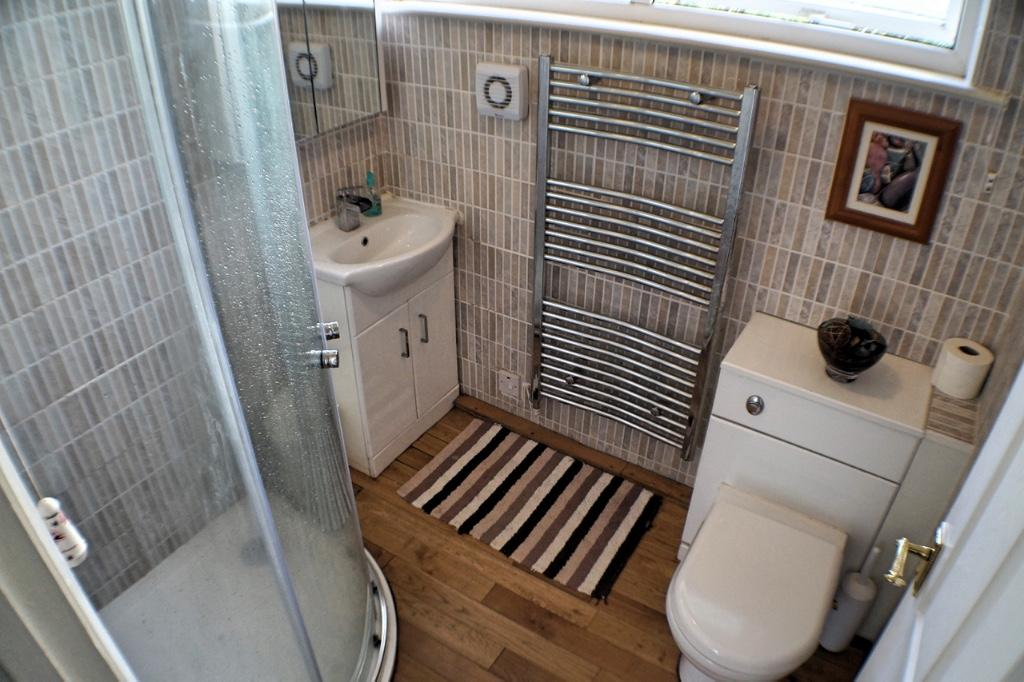 Bathroom (Bungalow)