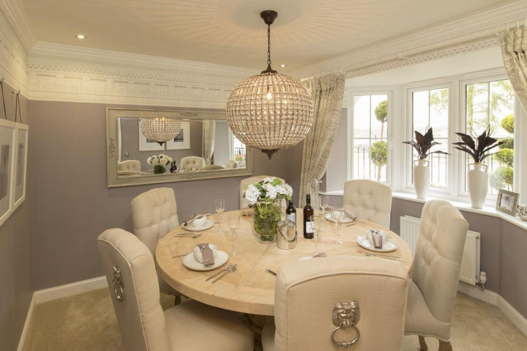 Five bedroom Stratford dining