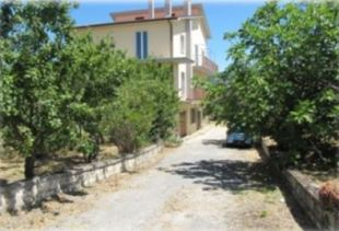 6 bed Villa for sale in Molise, Campobasso, Busso