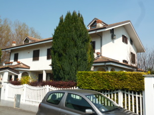 Semi-detached Villa for sale in Piedmont, Turin...