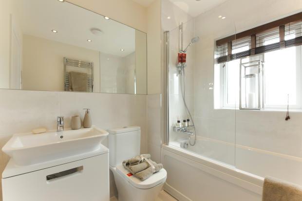 Buckland_bathroom