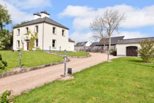 4 bed Detached house in The Old Parochial...