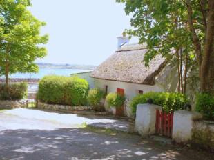 2 bedroom Detached property in Galway, Costelloe