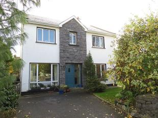 4 bedroom Detached house in Oughterard, Galway