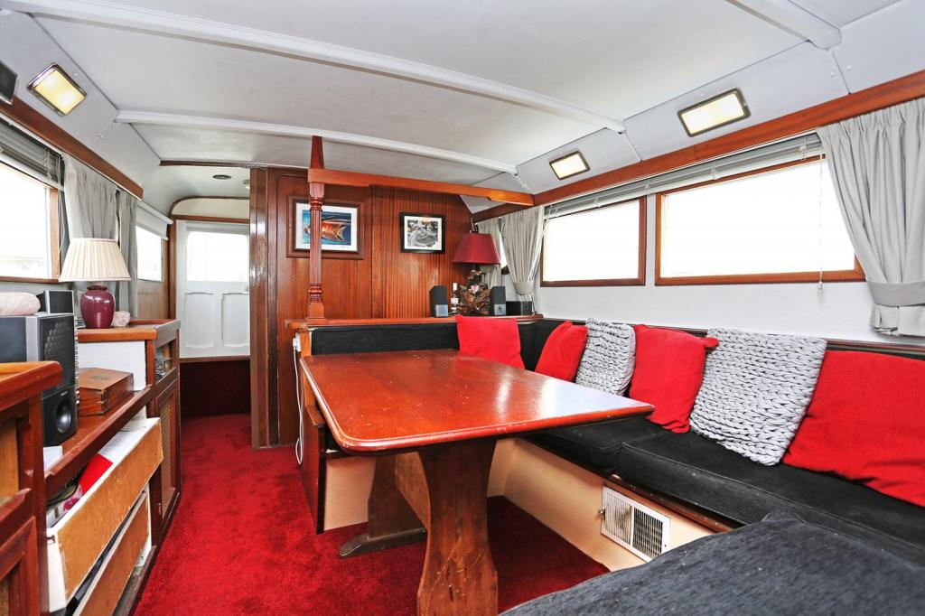 2 bedroom house boat for sale in port medway marina cuxton me2 me2