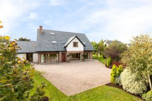 2 Curragh Woods Detached house for sale