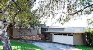 3 bed house for sale in California...