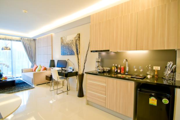FITTED KITCHENETTE