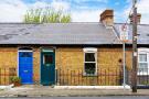 Terraced house in 10 Thomas Davis Street...