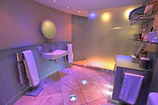 Ensuite Showerroom