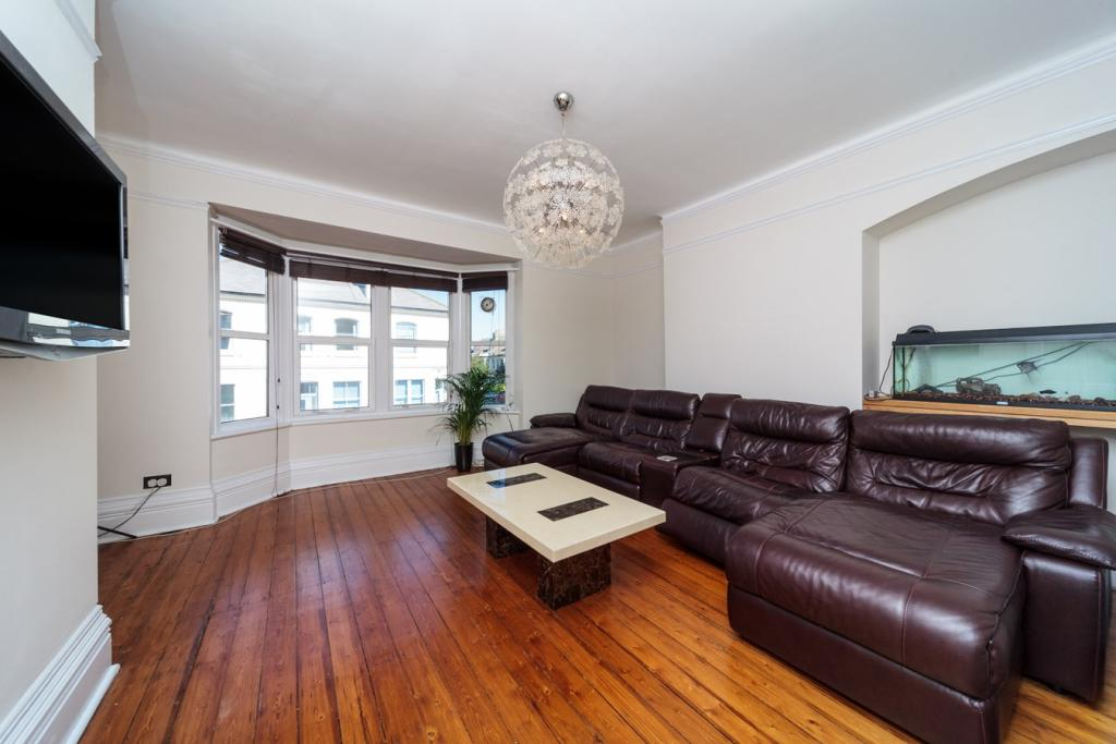 4 Bedroom Maisonette For Sale In Hove Park Villas Hove: 4 bedroom maisonette