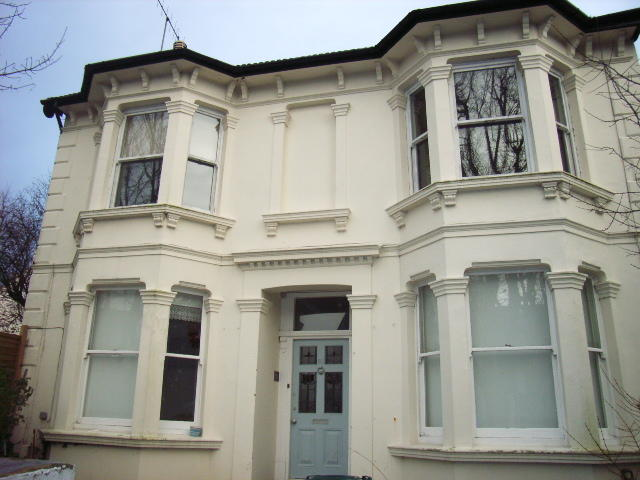 1 bedroom apartment to rent in beaconsfield villas for Room to rent brighton