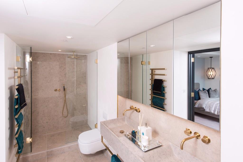 Blake Tower,Bathroom