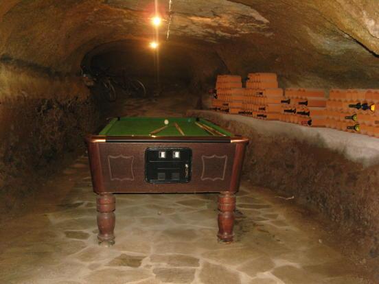 Cave & Wine Cellar
