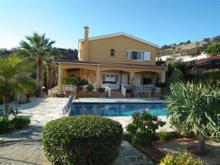 5 bedroom home for sale in Paphos, Peyia