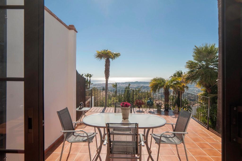 3 bedroom Town House for sale in Mijas La Nueva, Málaga...