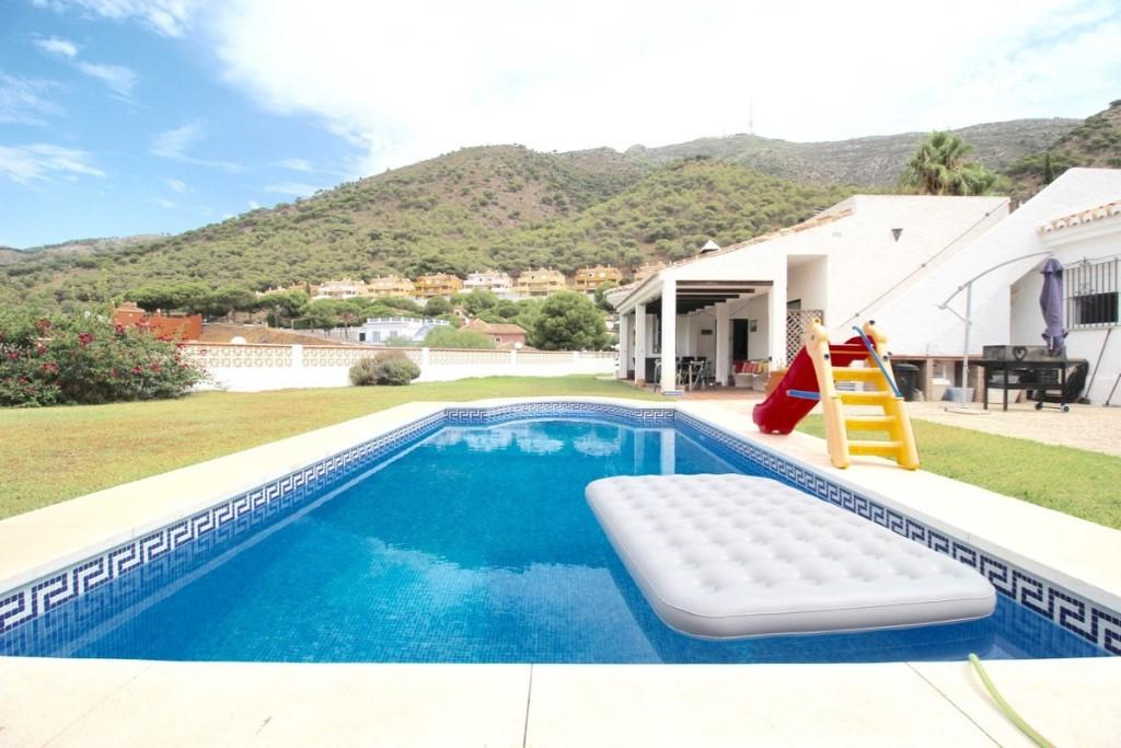Detached Villa for sale in Benalmádena, Málaga...