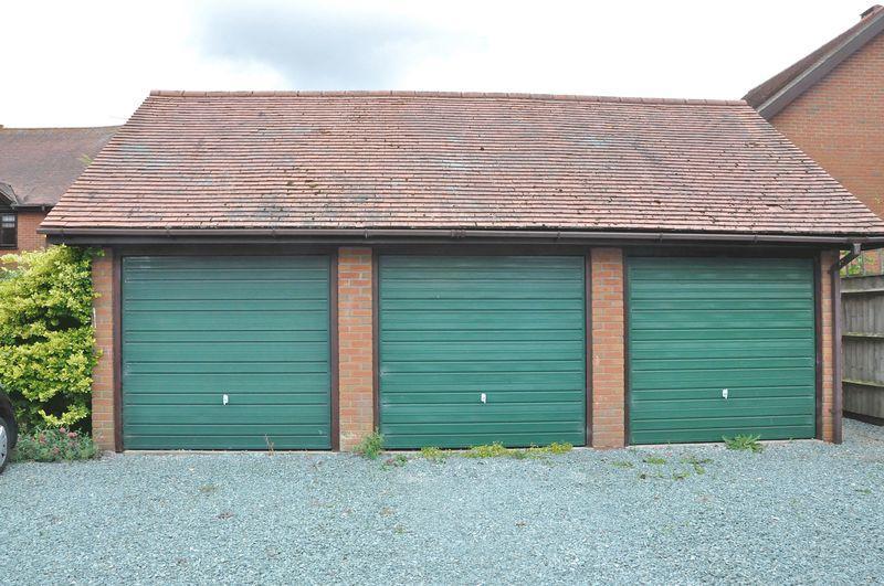 Garage(Middle)