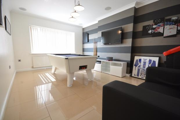 4 bedroom detached house for sale in burns crescent for Living room kilmarnock