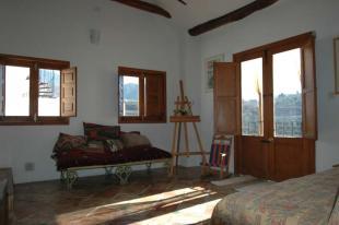 2 bedroom home in Lecr�n, Granada...