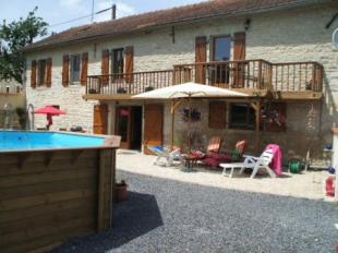 3 bed property for sale in France -...