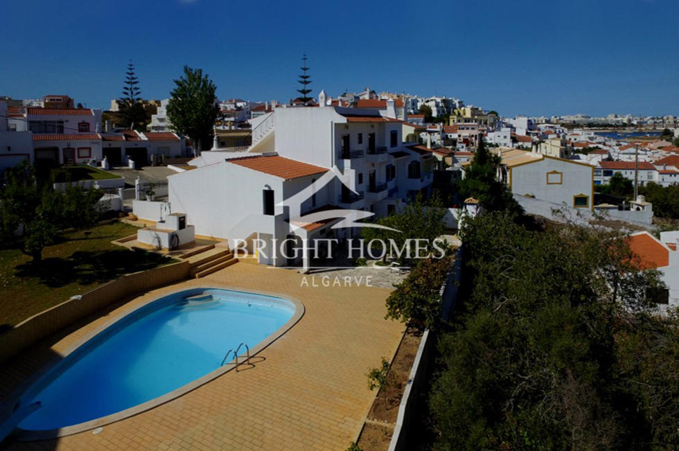 4 bed home in Ferragudo, Algarve