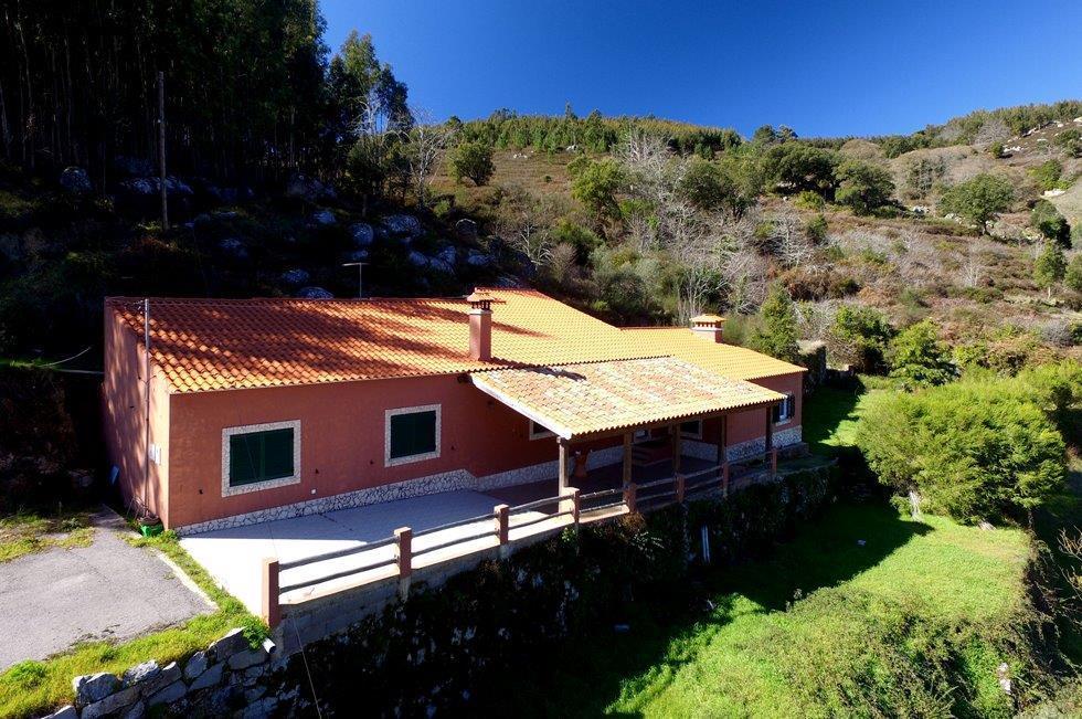 2 bedroom Cottage for sale in Monchique, Algarve