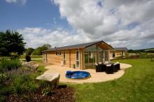 Charteroak Estates, Southern Halt Village