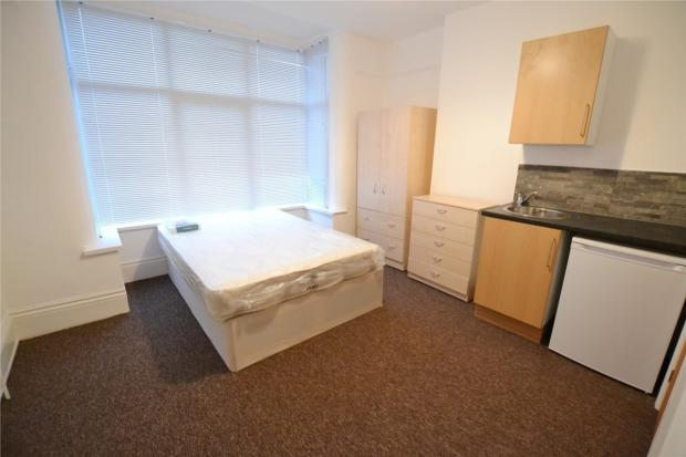 Bed 1 with en suite