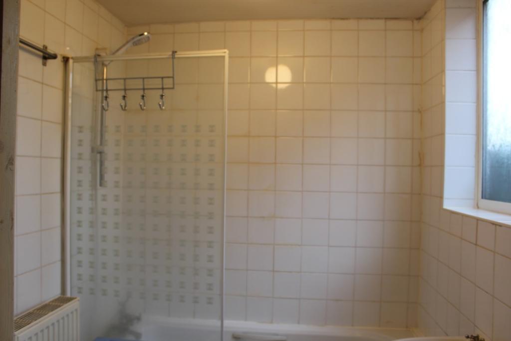 (Main)Bathroom with