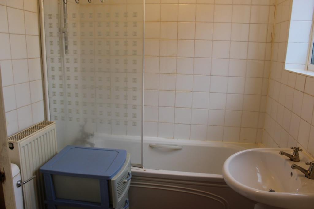 (Main)Bathroom