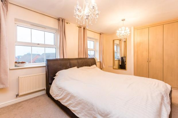 4 Bedroom Semi Detached House For Sale In Browning Close Rushden Nn10