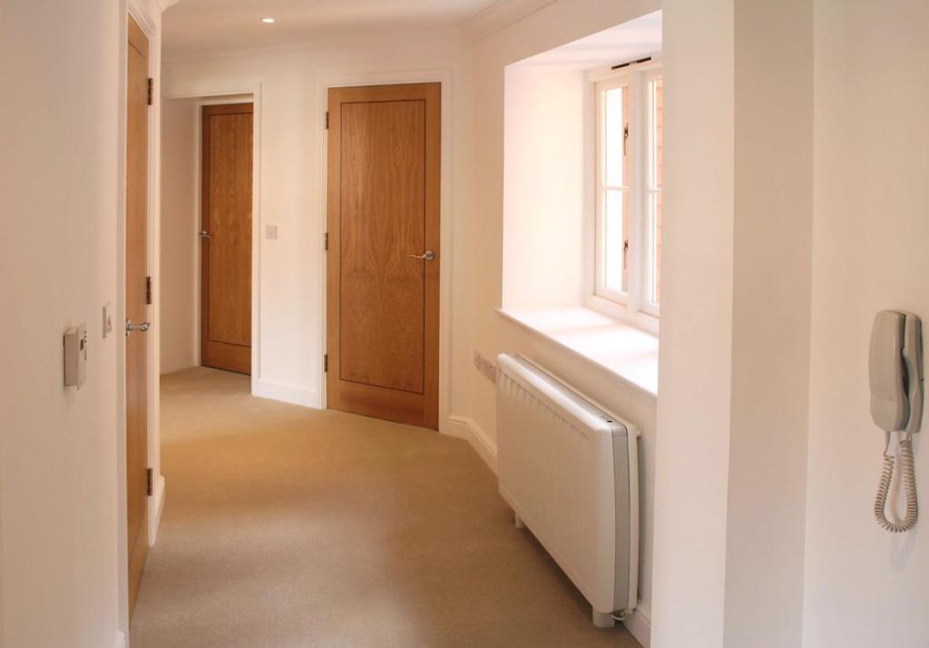 9EH - Hallway.jpg