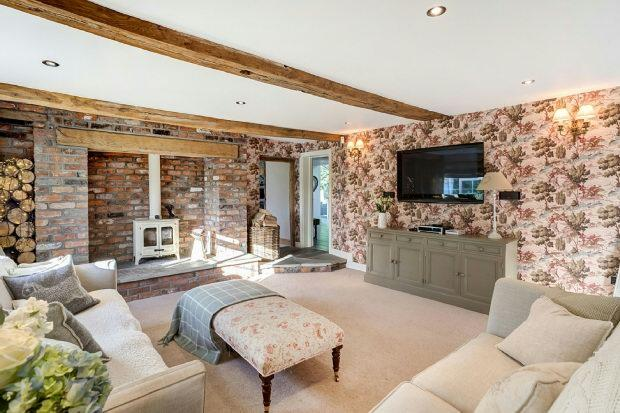 5 Bedroom Detached House For Sale In Giantswood Lane