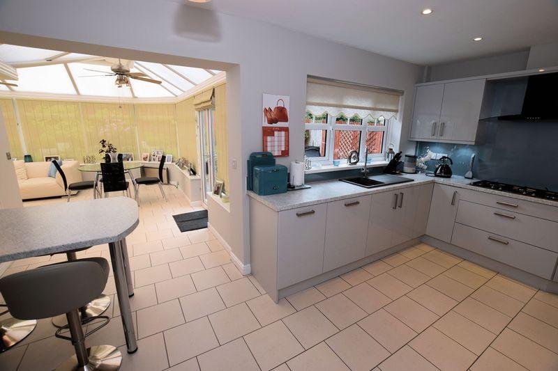 Kitchen onto c...