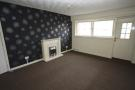 8 Woodhill Court Flat to rent
