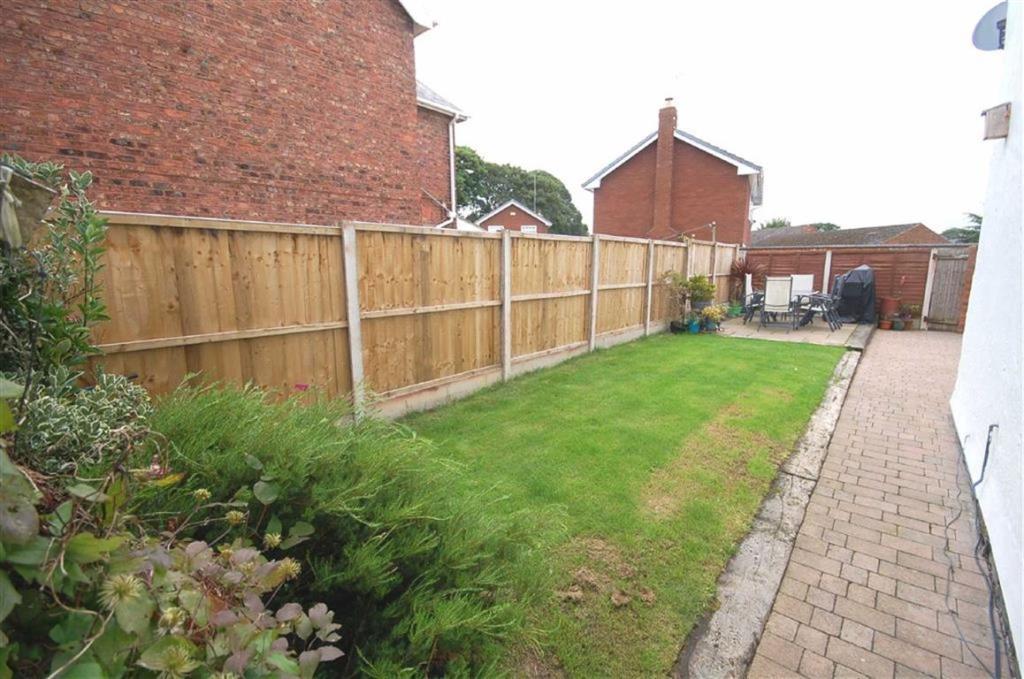 Side/Rear Gardens