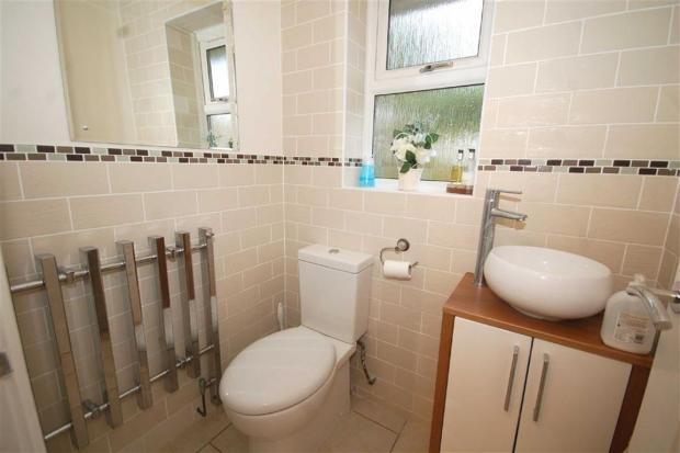 Refitted Cloakroom/W