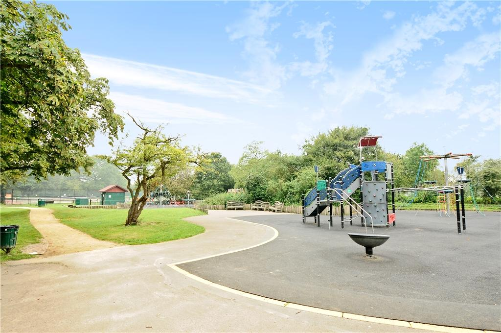 Playground at Tooting Bec Common