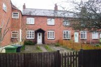Cottage to rent in Henry Street, Kenilworth...