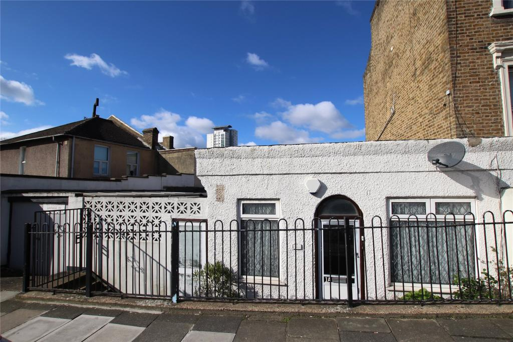 2 bedroom bungalow for sale in elmdene road woolwich for 11 jackson terrace freehold nj