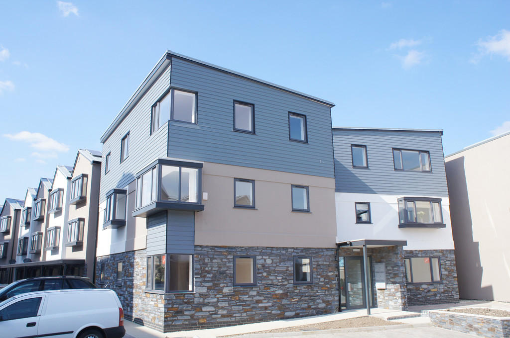 2 Bedroom Flat For Sale In Queen Annes Quay Plymouth Pl4