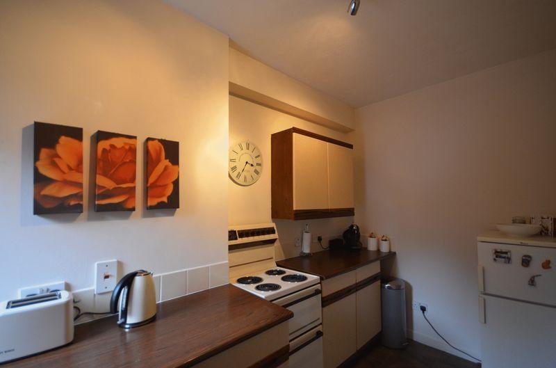 6 Kitchen