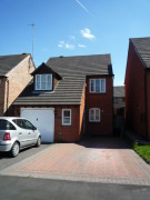 Detached house in Devonia Road, Oadby, LE2