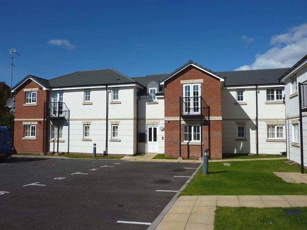 2 bedroom apartment to rent in Albany House Halesowen B63